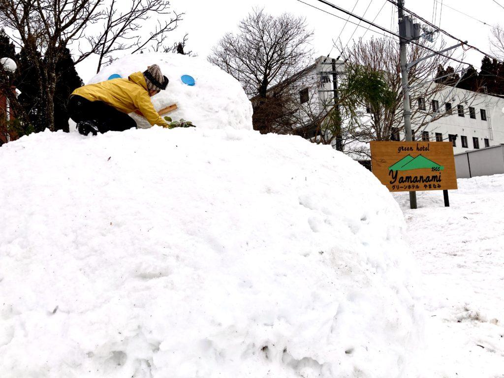 ハチ高原 スキー スノボ ゲレンデ ゆきだるま 巨大